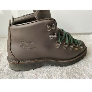 Danner Mountain Brown Boots- 8.5 D MSRP $360